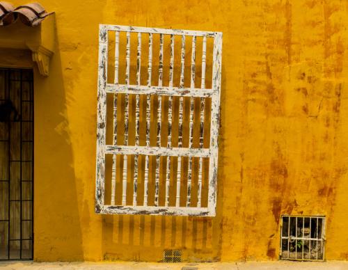 Tilted railing
