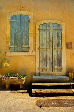 Lourmarin shutters