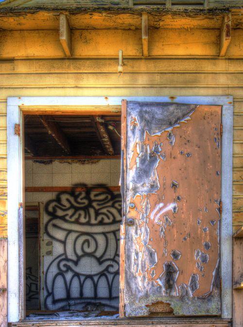 Half doorway